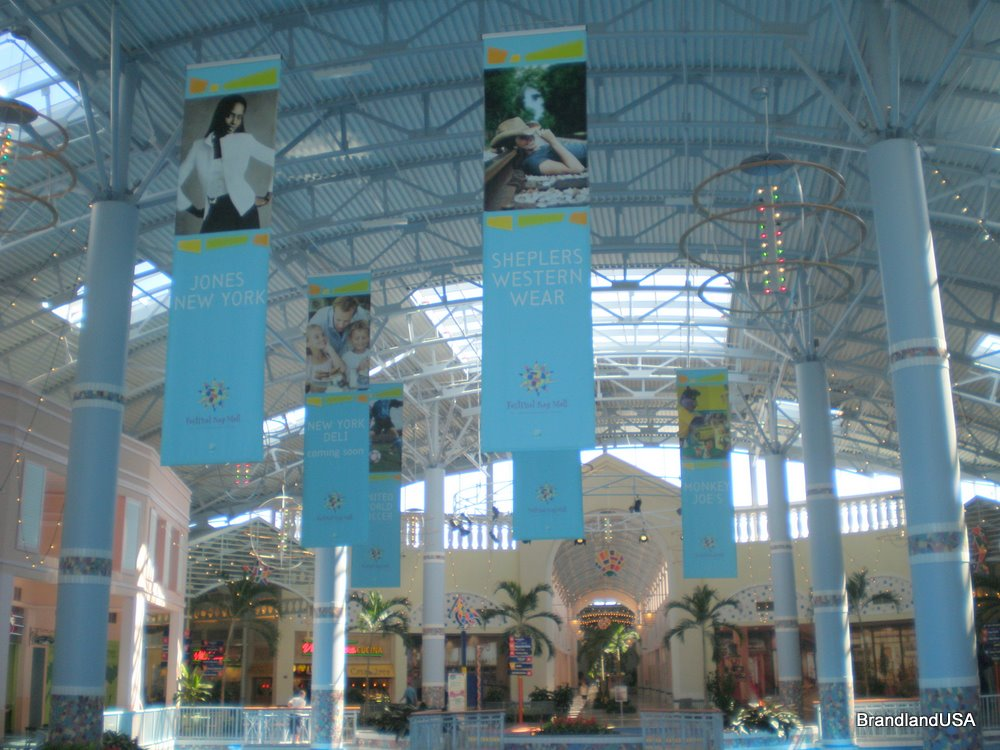 Florida Mall Festival Bay